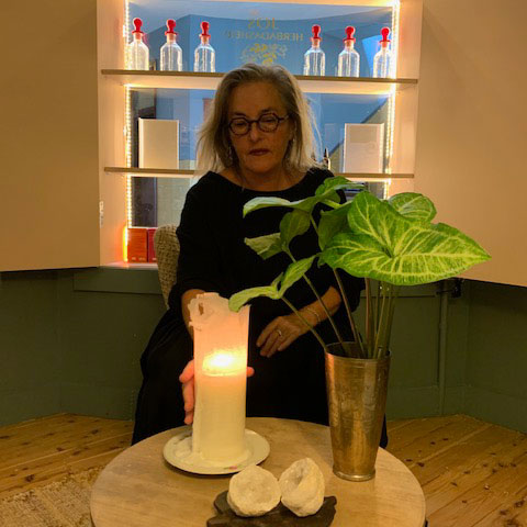 Lizzie_with_candle
